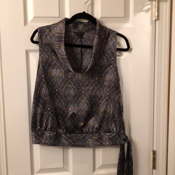 Banana Republic Tops - Silky sleeveless shirt